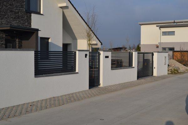 ploty s betonovou strieskou